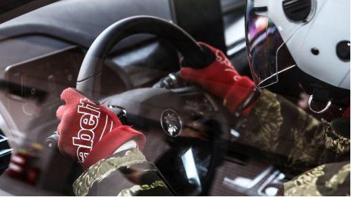 无所畏惧!中国电动汽车史上第一个赛道实测量产车型诞生!